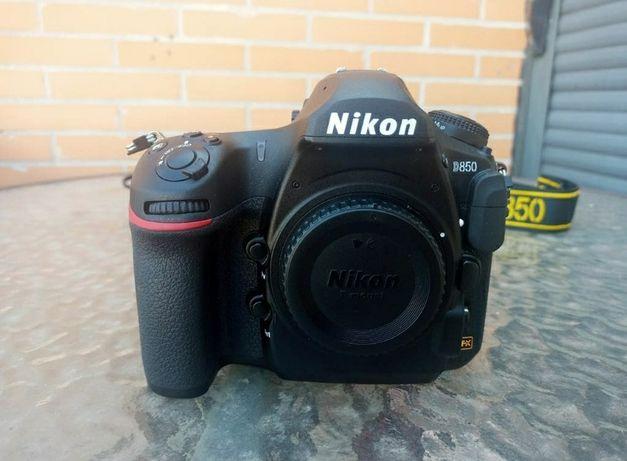Câmara Nikon D850