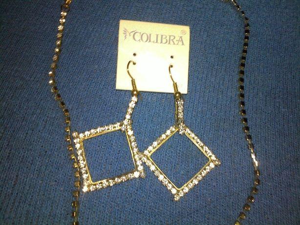 zestaw biżuterii damskiej kolczyki i naszyjnik
