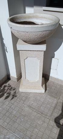 Vaso de jardim mais torre (tudo em pedra)