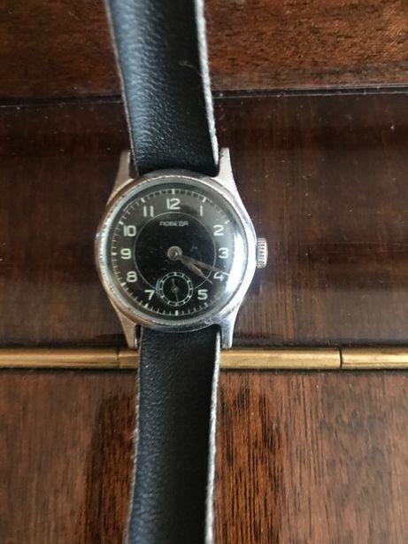 Продам часы Победа механика СССР