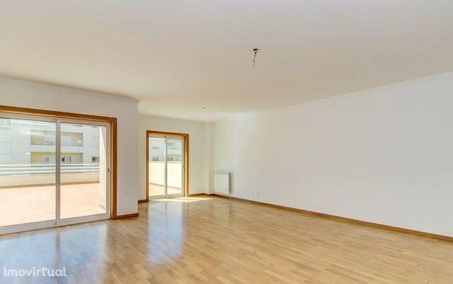 Apartamento T2 duplex no Alto de Algés, Oeiras