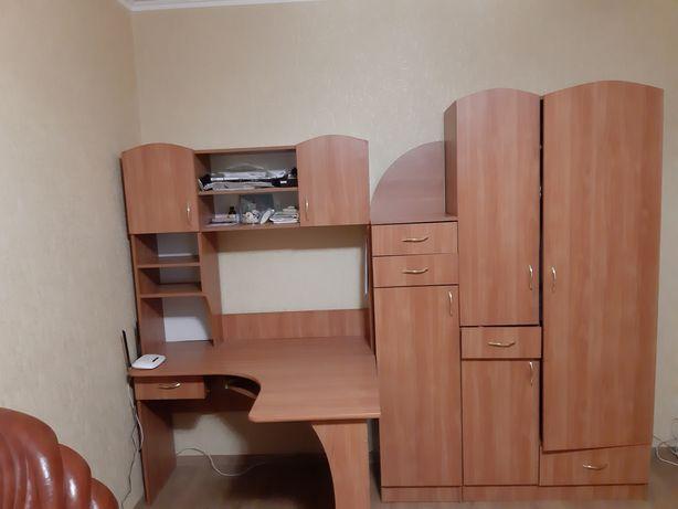 Стенка детская и письменый стол