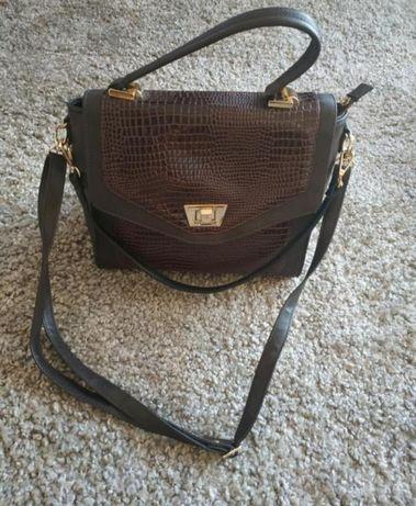 Кожаная сумка с длинным ремешком