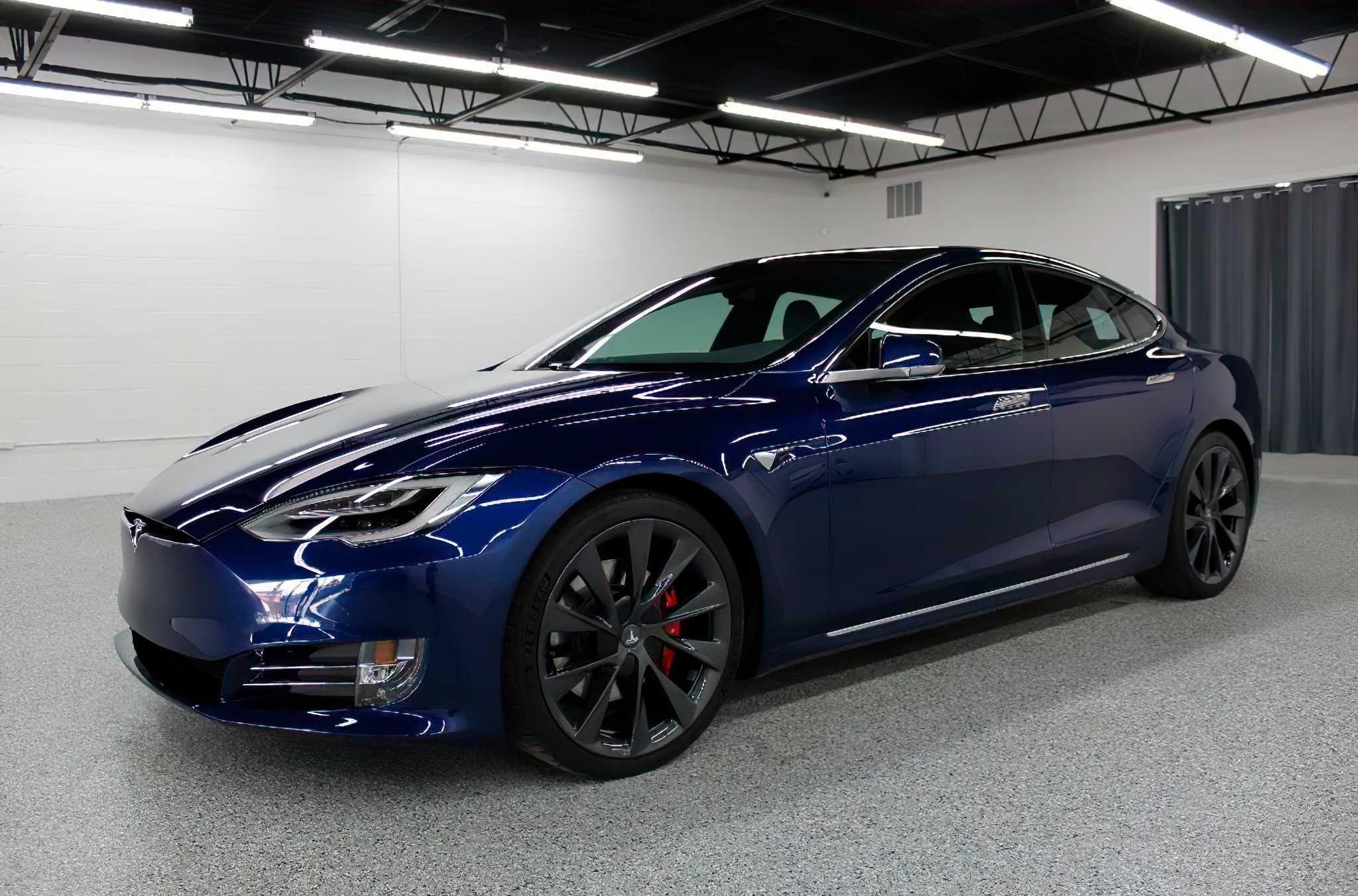 Tesla Model S 2020 Perfomance