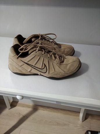 Buty sportowe marki Nike rozmiar 37,5