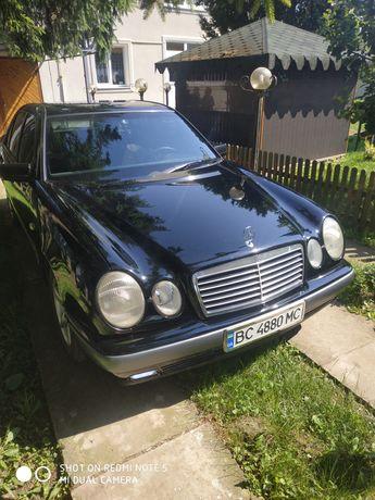 Продам машину Mercedes Benz E200 W210