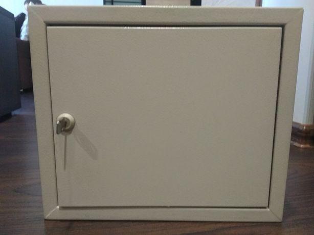Ящик корпус электричества, щит щитовой ящик 31х26
