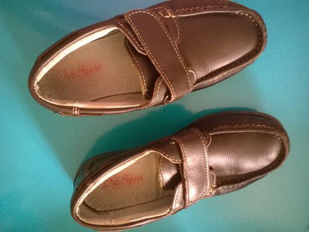 Sapatos vela castanhos