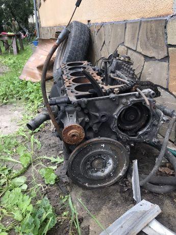 Двигун 2.9 дизель мерседес.310.блок.