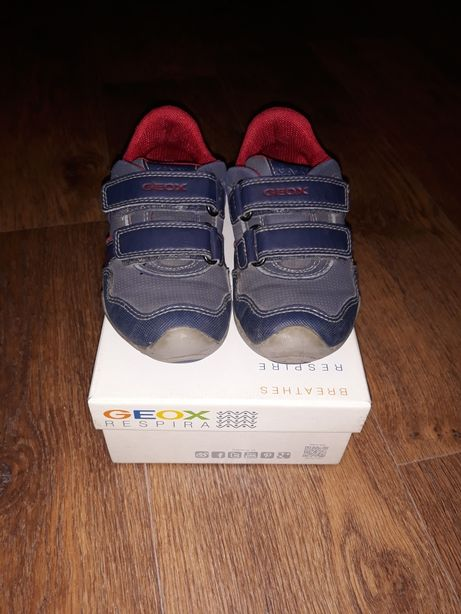 Сникерсы, кроссовки, туфли, ботинки GEOX для мальчика 27 размер!!
