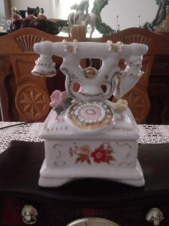 Szkatułka - telefon porcelana (K.221)