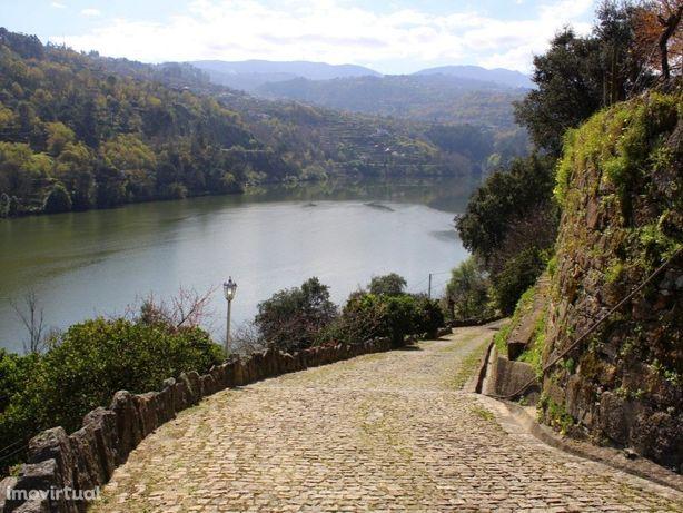 Moradia rústica com vista deslumbrante sobre o Rio Douro