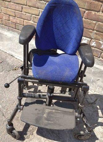 продам кресло специальное для детей с ДЦП