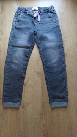Spodnie Reserved 38