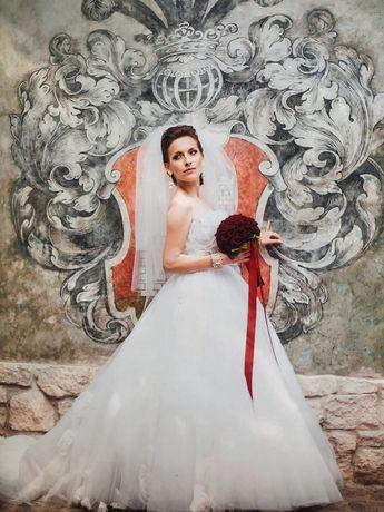 Весільні сукні / Love Story
