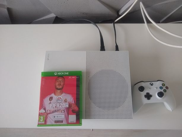 Xbox one S 1Tb, FIFA 20