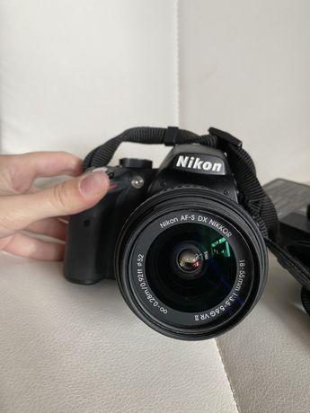 Продам Nikon d3200 kit 18-55 mm VR + сумка