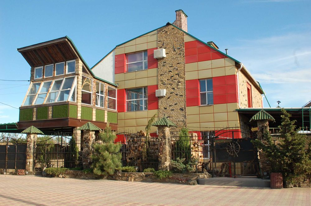 Посуточно Квартира №2, Приморский, 2 комнаты, кухня бар, бильярд, двор-1