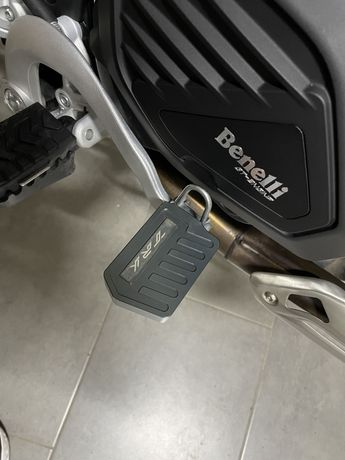 Acrescento travão Benelli TRK502X