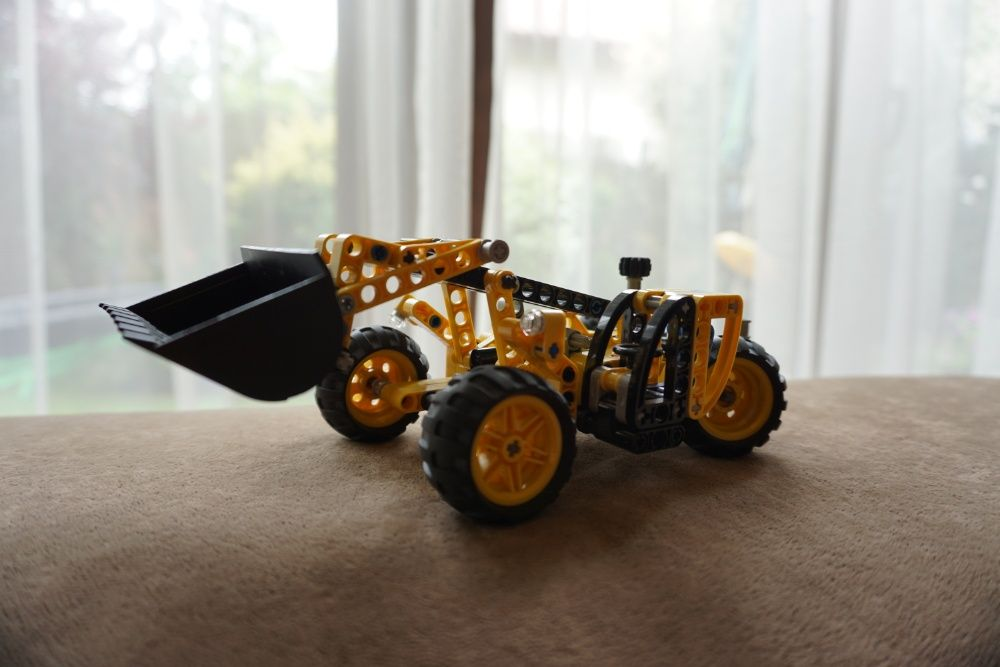 Lego Technic Koparka budowlana Kraków - image 1