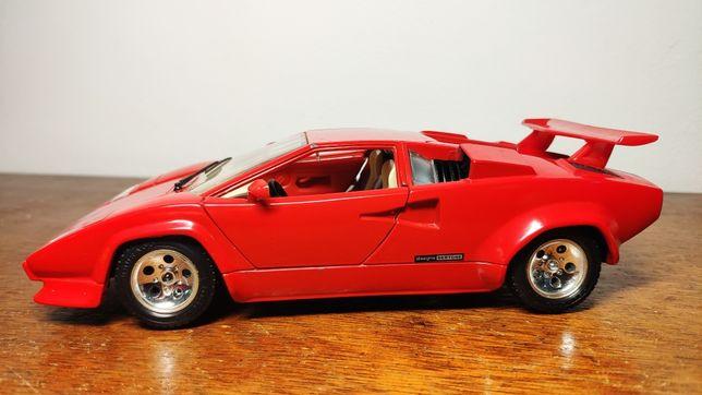 Lamborghini Countach (1988) da Burago, escala 1/24.
