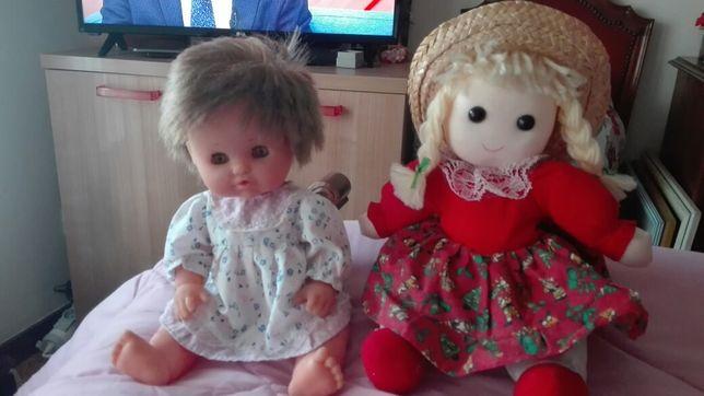 Conjunto de duas bonecas