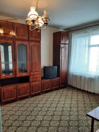продам двухкомнатную квартиру в Коммунарском районе