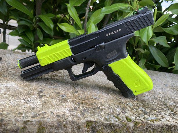 Glock airsoft CO2. Tudo 75€