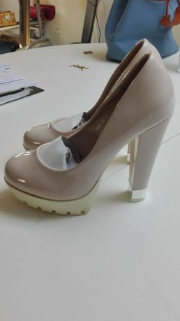 Sapatos verniz cremes