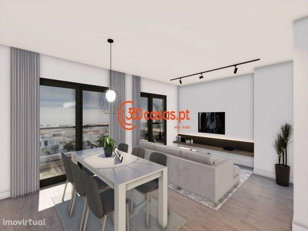 Apartamento T4 com 2 estacionamentos e arrecadação - Montenegro, Faro
