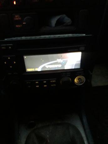 Radio z volvo v40