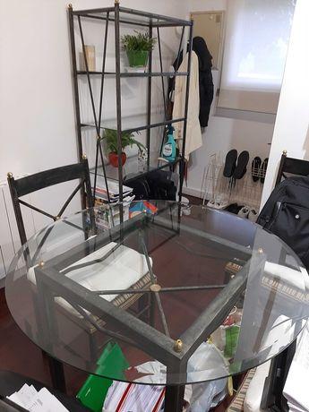 Mesa Estante Cadeiras