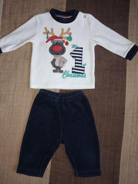 Продам велюровый костюмчик на малыша + носочки в подарок