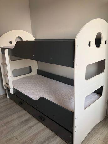 Łóżko piętrowe dla dzieci wraz z materacami