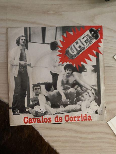 """Single dos UHF """"Cavalos de Corrida"""""""
