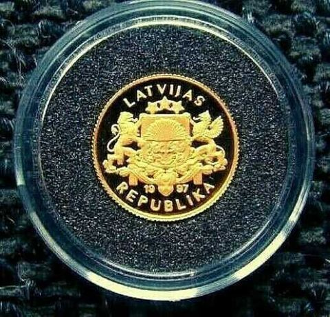 Золотая монета Latvia 10 Latu 1997 sailing ship Julia Maria