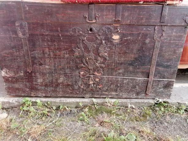 Продам скриню старовинна для інтирєру