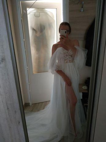 Suknia ślubna Boho z rękawami z rozcięciem z trenem lekka zwiewna