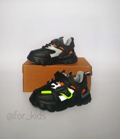 Новинка для мальчиков, кроссовки для мальчиков, стильные кроссовки
