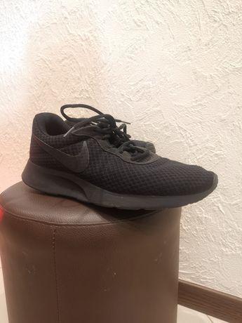 Nike Tanjun, męskie, r. 44