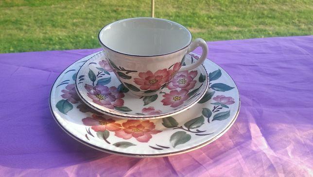 Zestaw śniadanowy porcelana Irish Rose Anglia róże