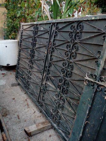 Portão de ferro trabalhado