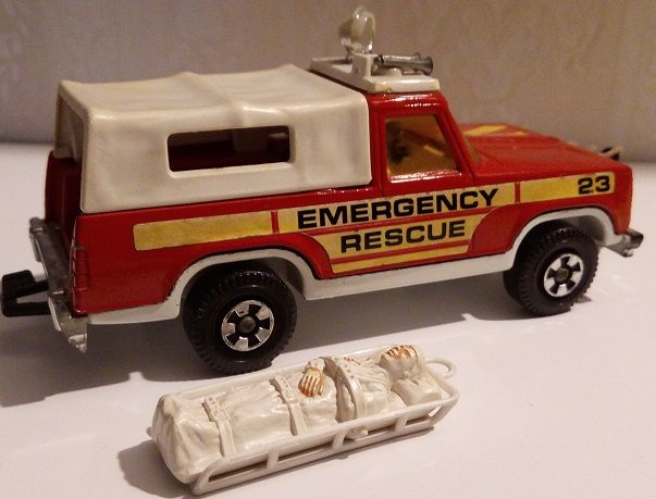 MATCHBOX PLYMOUTH TRAIL Duster Lesney England 1976