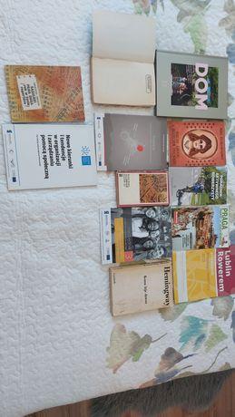 Oddam Książki widoczne na zdjęciach