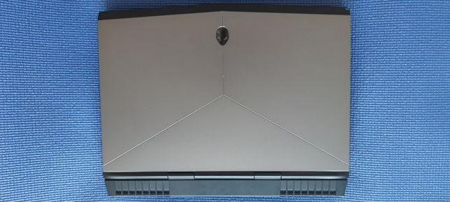 Игровой Alienware 15 r3 i7-7700hq nvidia gtx 1070 Озу-16гб ssd + hdd
