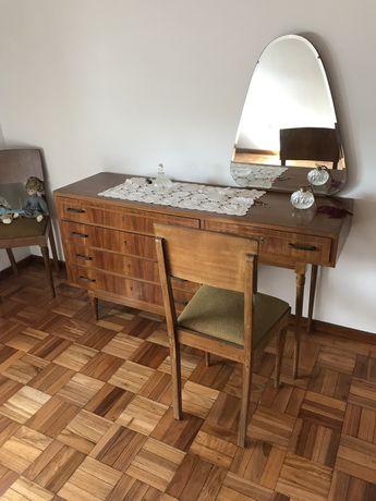 Movel de quarto, anos 60