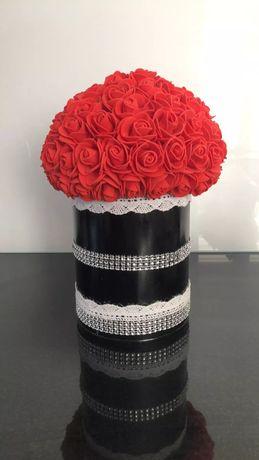 Flower box z piankowych rozyczek