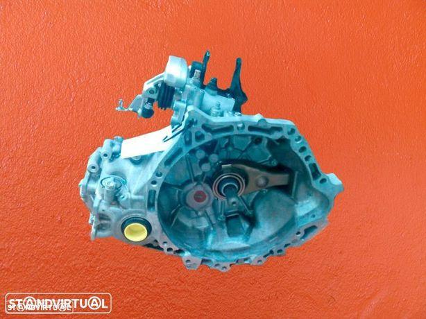 Montagem Caixa de Velocidades TOYOTA Corolla 1.4D4D de 2006 Ref: P040 / P050 / P060