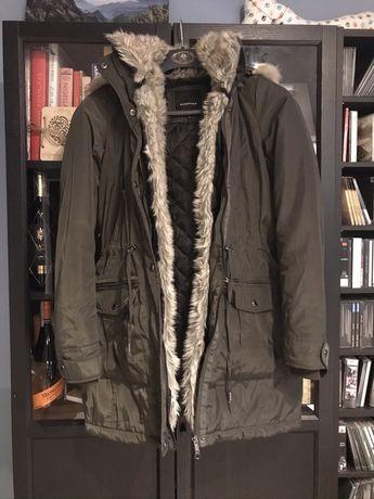 Dluga kurtka Reserved z futerkiem XS