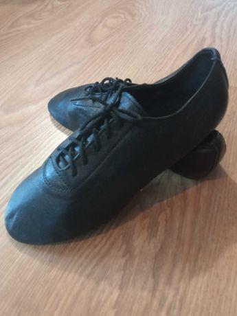 Новая кожаная обувь для танцев